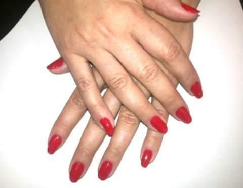 Vermelhão  unhas  manicure e pedicure auxiliar cabeleireiro(a) designer de sobrancelhas