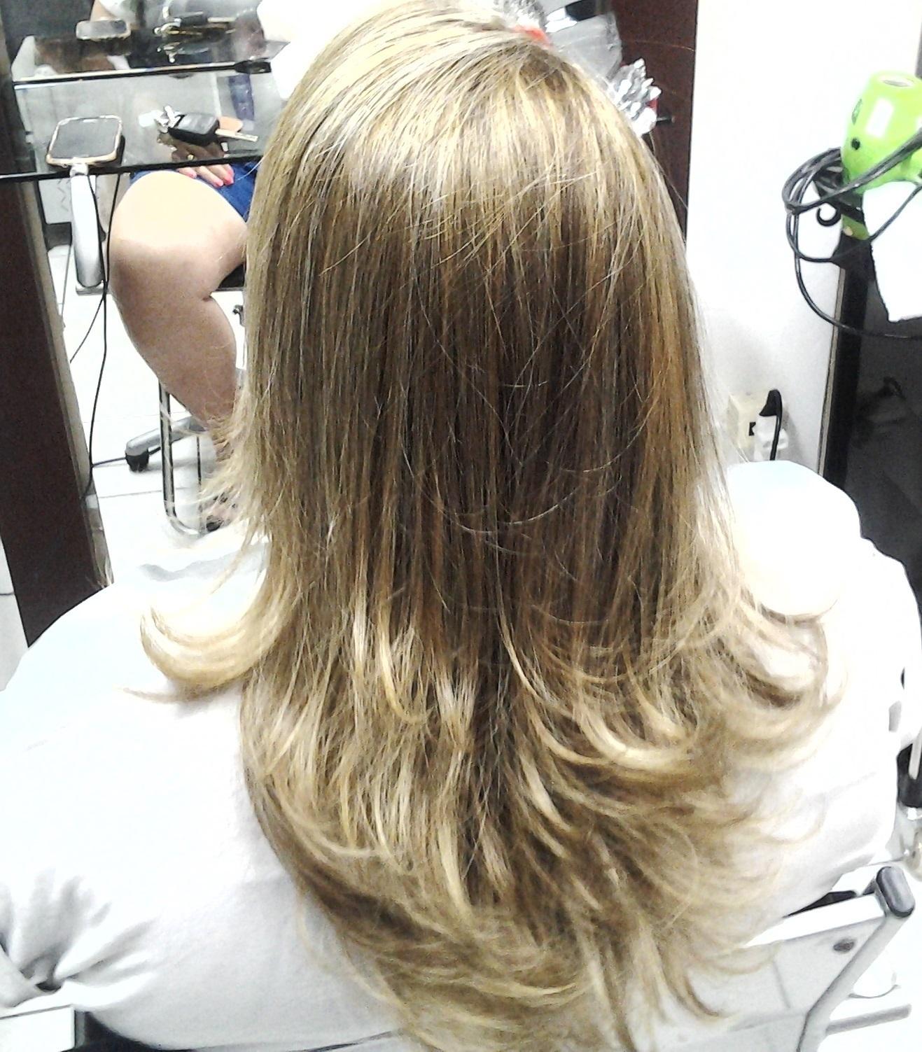 mechas cabeleireiro(a) massoterapeuta barbeiro(a) aromaterapeuta depilador(a) designer de sobrancelhas esteticista massagista stylist terapeuta visagista docente / professor(a) supervisor(a)