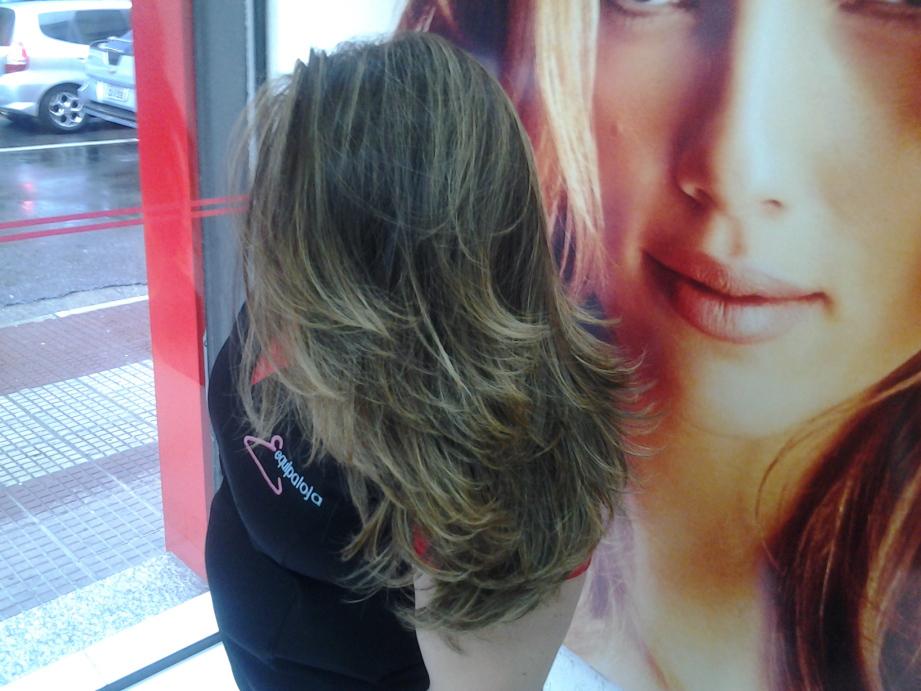 luzes  cabelo  cabeleireiro(a) massoterapeuta barbeiro(a) aromaterapeuta depilador(a) designer de sobrancelhas esteticista massagista stylist terapeuta visagista docente / professor(a) supervisor(a)