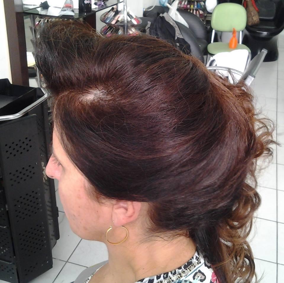 penteado cabeleireiro(a) massoterapeuta barbeiro(a) aromaterapeuta depilador(a) designer de sobrancelhas esteticista massagista stylist terapeuta visagista docente / professor(a) supervisor(a)