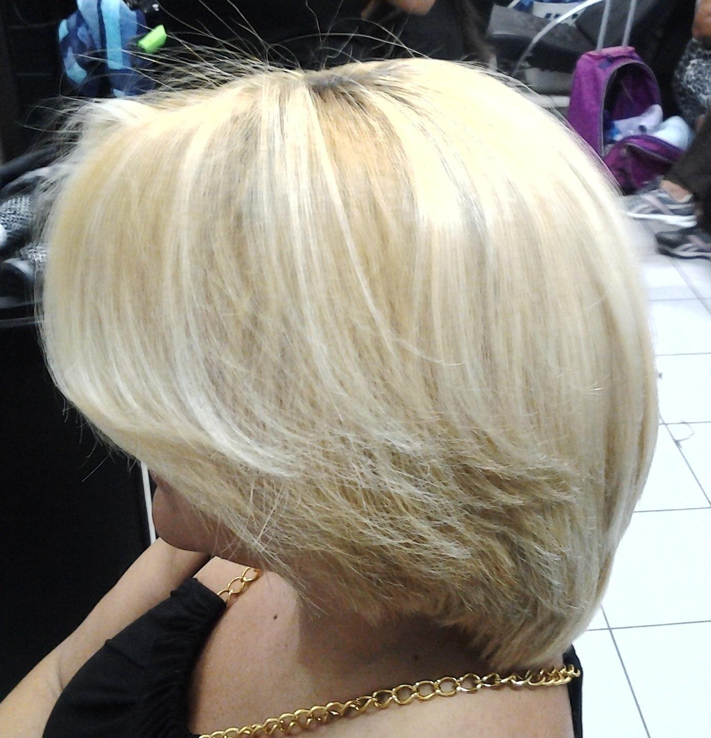 depois  tirando o amarelo com mechas cabeleireiro(a) massoterapeuta barbeiro(a) aromaterapeuta depilador(a) designer de sobrancelhas esteticista massagista stylist terapeuta visagista docente / professor(a) supervisor(a)