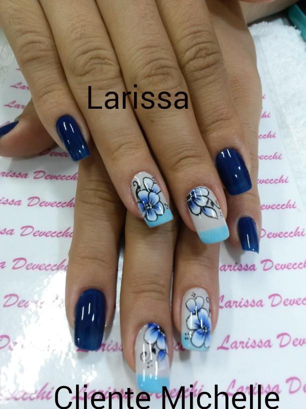 One stroke  Azul floral  unhas  manicure e pedicure manicure e pedicure