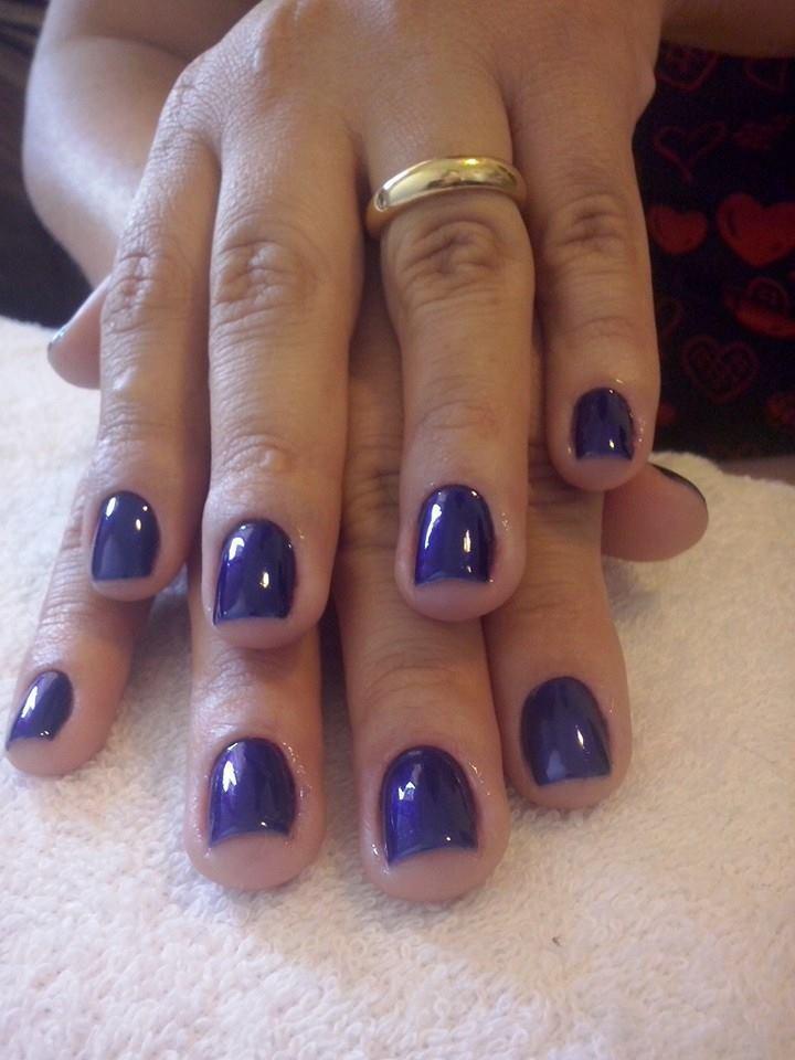 trabalhos de Dri unhas bellas azul metalico manicure e pedicure designer de sobrancelhas