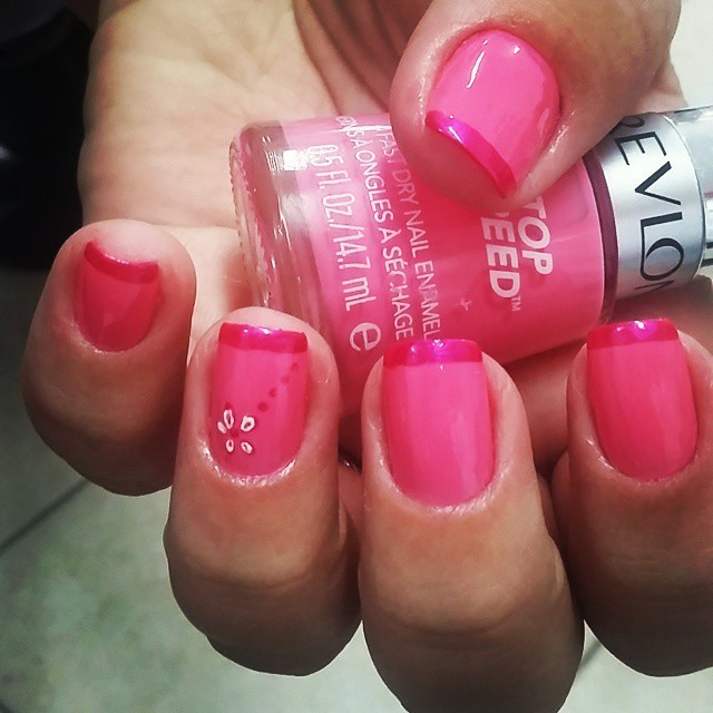 Rosa revelon unhas  manicure e pedicure depilador(a)