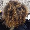 Luzes e corte cabelo cacheado
