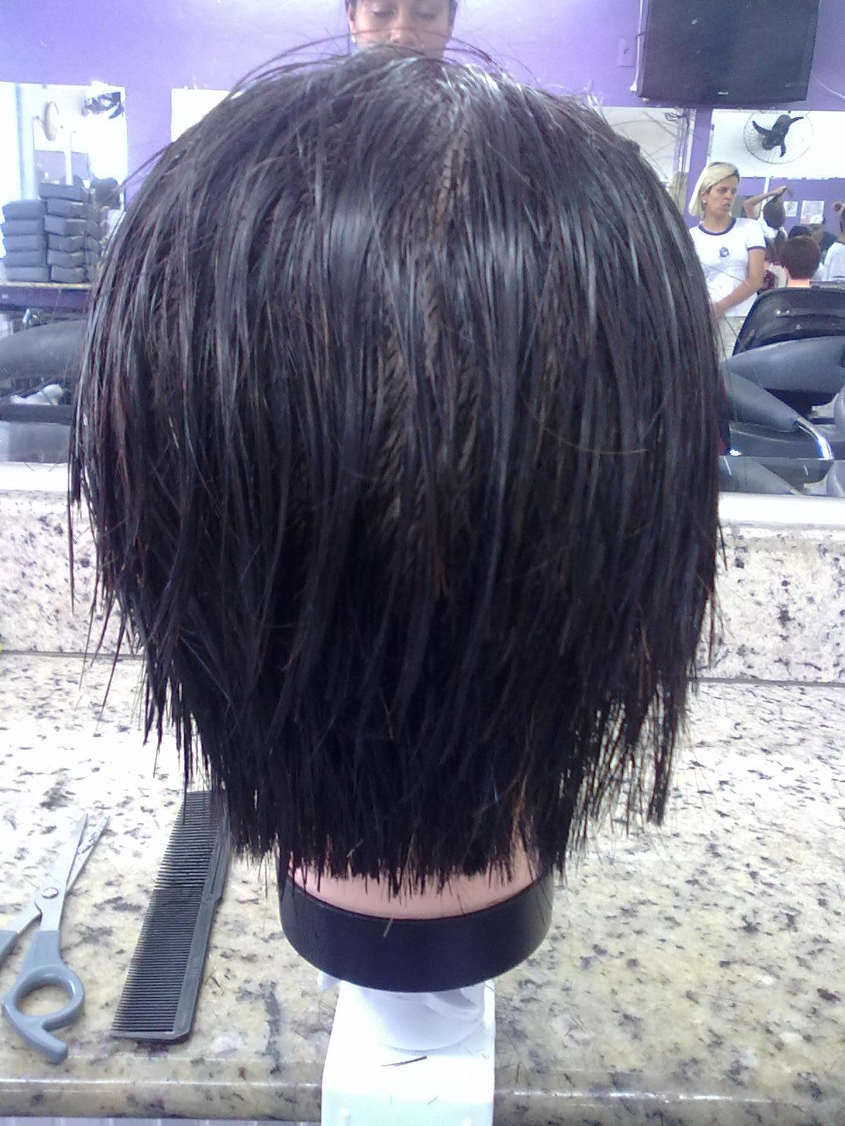 um chanel com a nuca batida cabeleireiro(a) barbeiro(a) designer de sobrancelhas manicure e pedicure