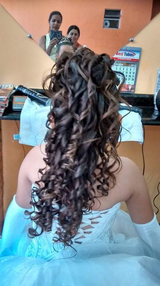Noiva cabelo  cabeleireiro(a) manicure e pedicure maquiador(a)