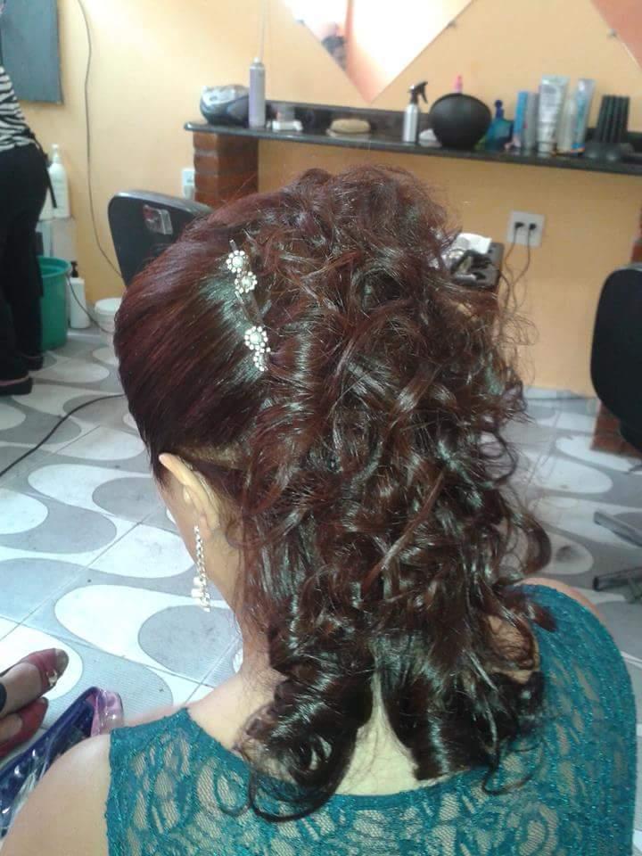 pentaeado cabelo  cabeleireiro(a) manicure e pedicure maquiador(a)