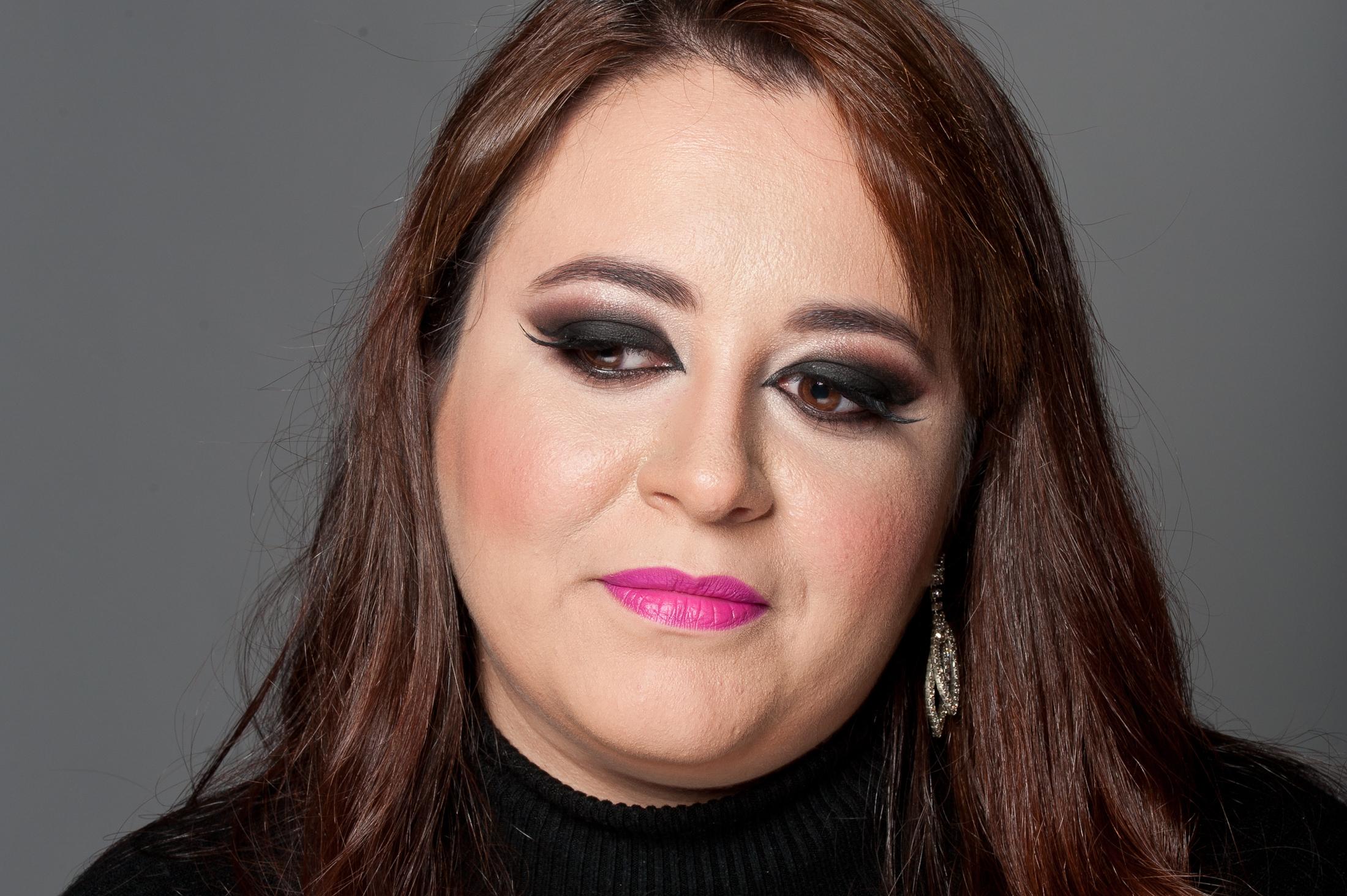 Black Eyes Trabalho realizado com a proposta de Editorial de Beleza, em estúdio fotográfico.Realizado penteado e maquiagem nas modelos.  maquiagem  maquiador(a)