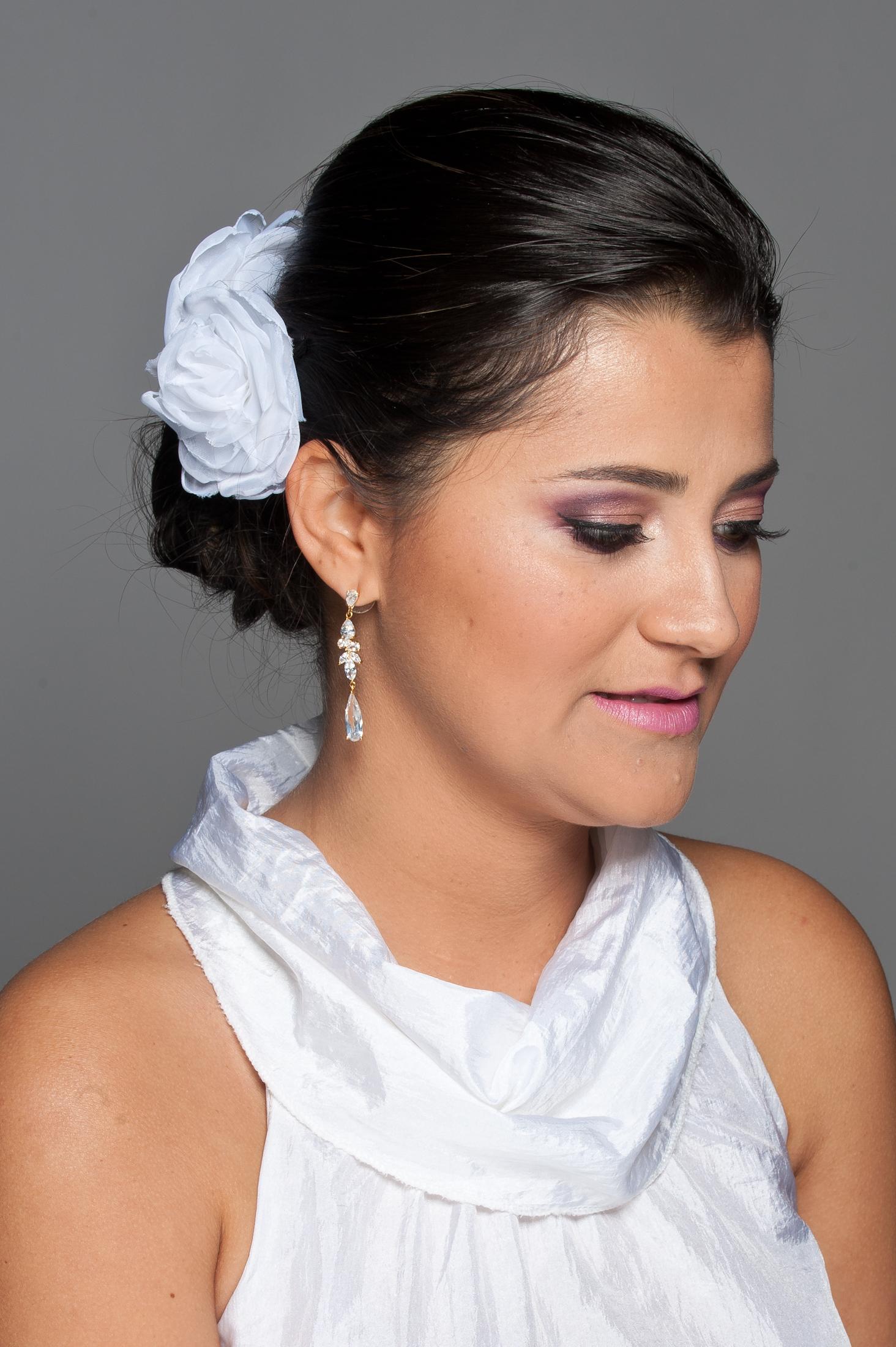 Noiva Realizado penteado e maquiagem. Proposta: Noiva Romântica cabelo maquiador(a)