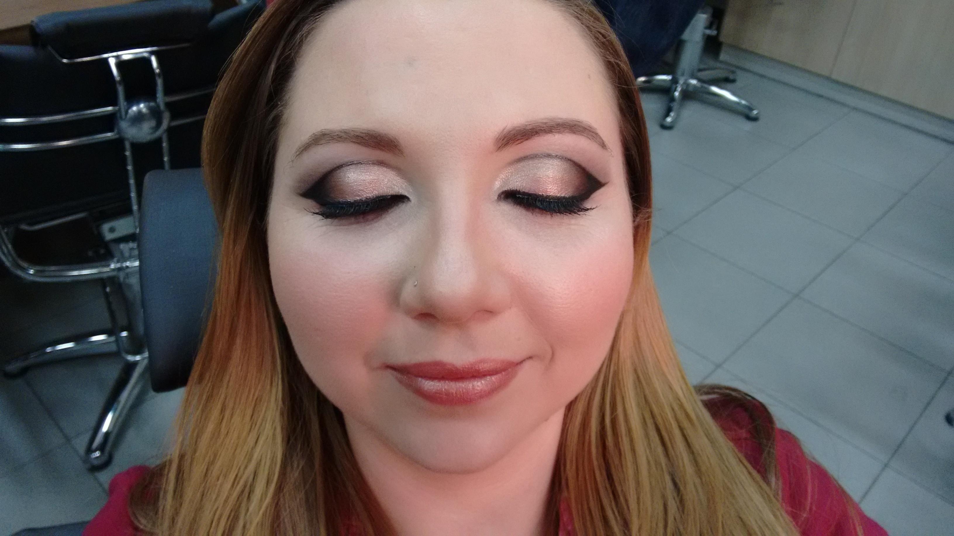 Make up Social Maquiagem para eventos sociais. maquiagem  maquiador(a)