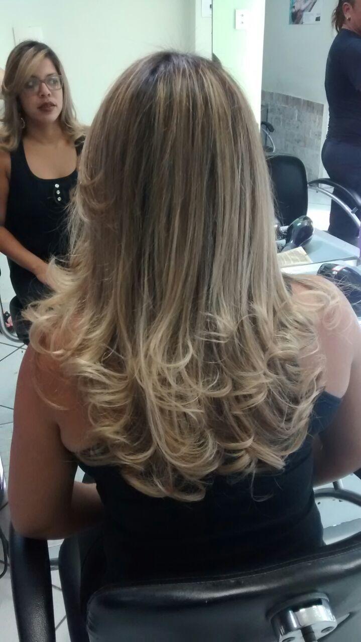 Marcele Lemos  Corte e escova modelada!  cabelo auxiliar cabeleireiro(a) maquiador(a) designer de sobrancelhas