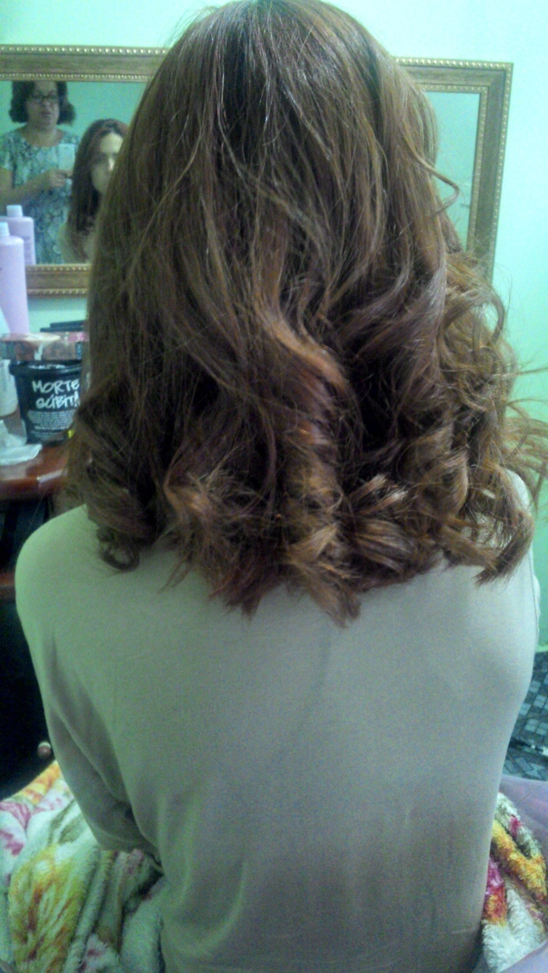 Corte coloração e escova auxiliar cabeleireiro(a) cabeleireiro(a)