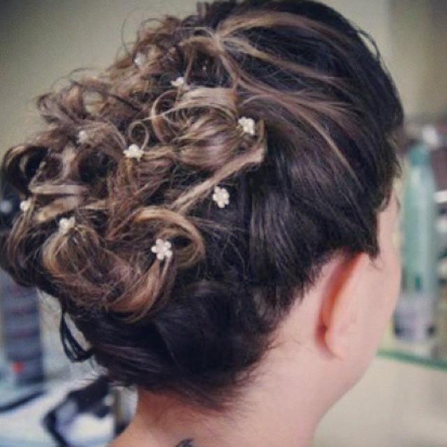 Penteado  cabelo  cabeleireiro(a) maquiador(a) designer de sobrancelhas esteticista