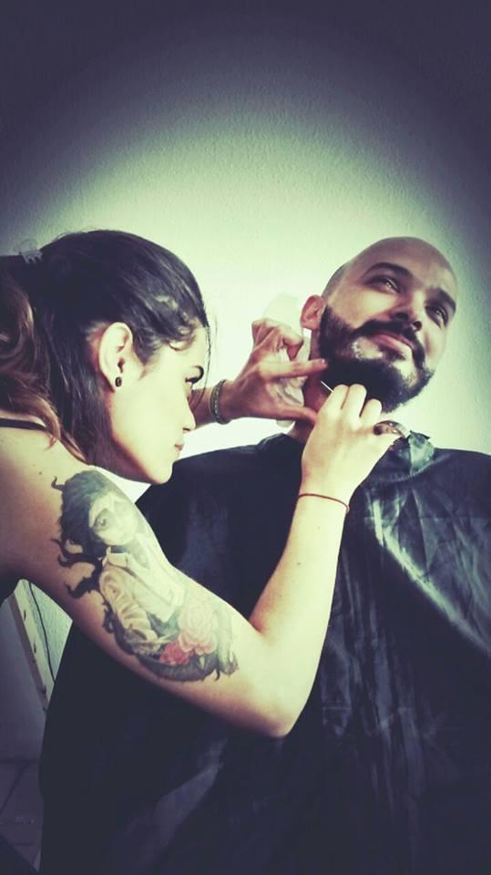 Barba feita na linha  estética  cabeleireiro(a)