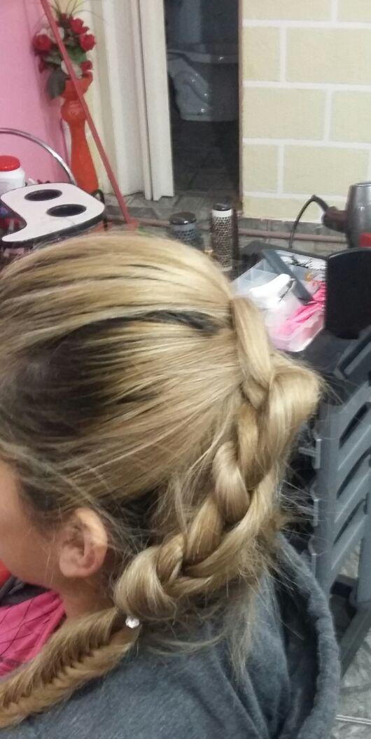 trança de Nós  stylist / visagista técnico(a) capilar