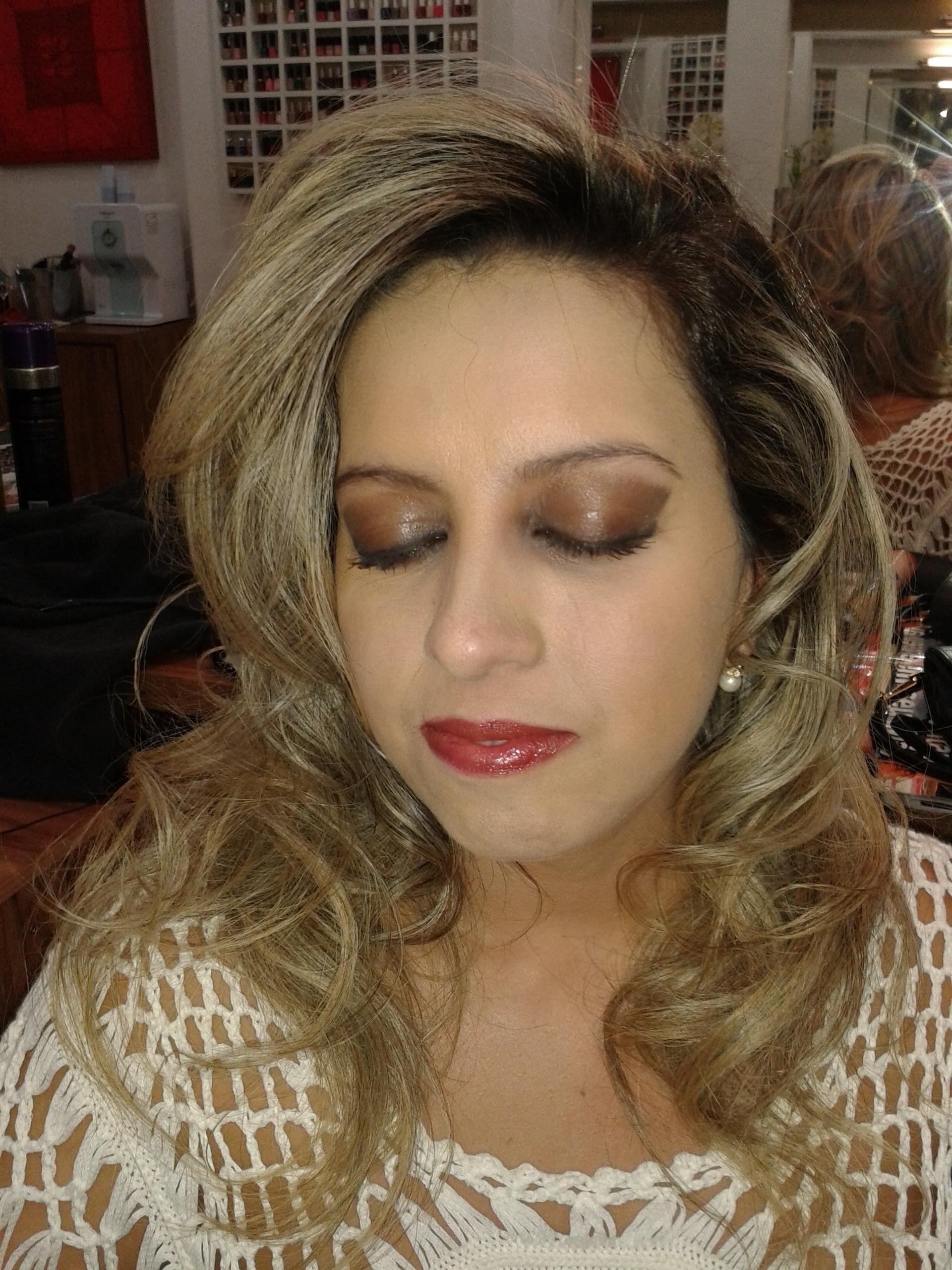 Make-up - Limpesa de cor das mechas - escova modelada cabelo cabeleireiro(a) barbeiro(a) maquiador(a) designer de sobrancelhas depilador(a)