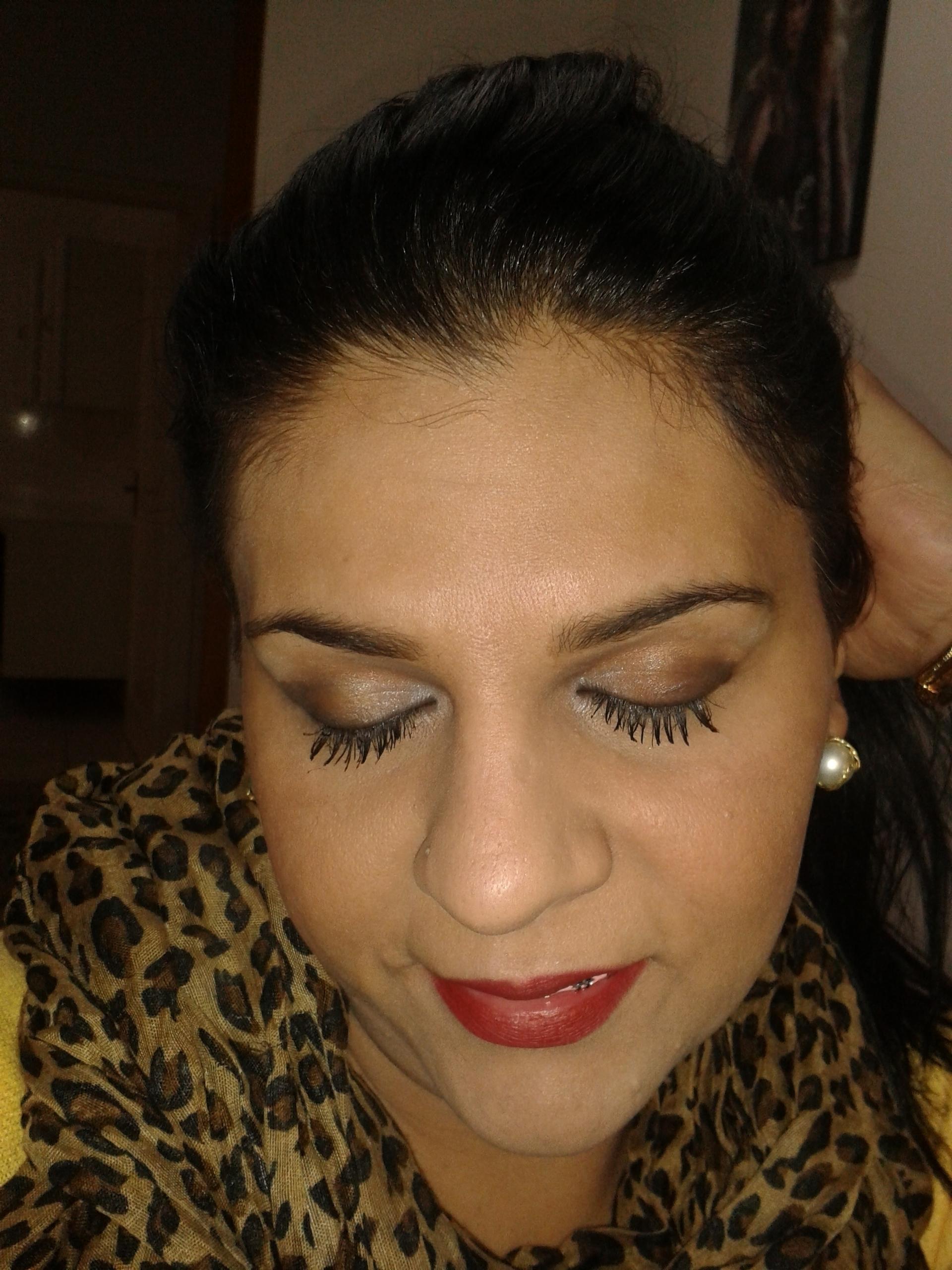 Make-up// depois DEPOIS make-up e designer sobrancelha cabeleireiro(a) barbeiro(a) maquiador(a) designer de sobrancelhas depilador(a)