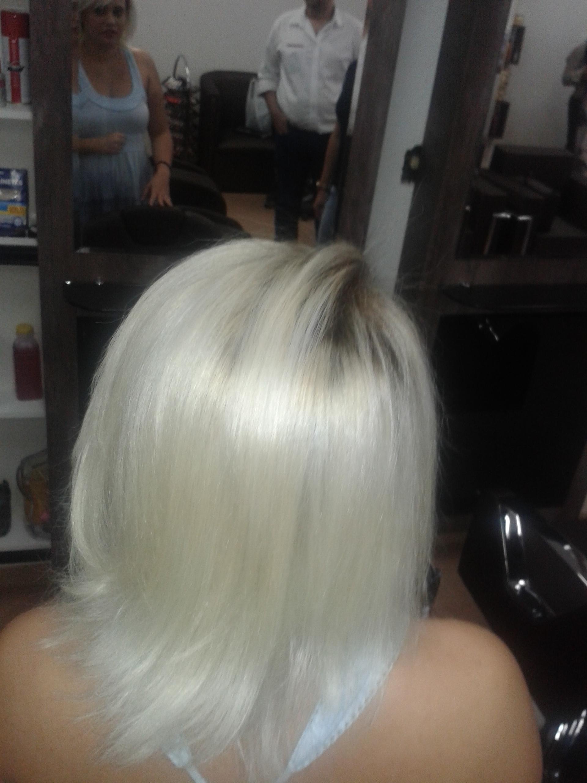 Correção da cor // Depois cabeleireiro(a) barbeiro(a) maquiador(a) designer de sobrancelhas depilador(a)
