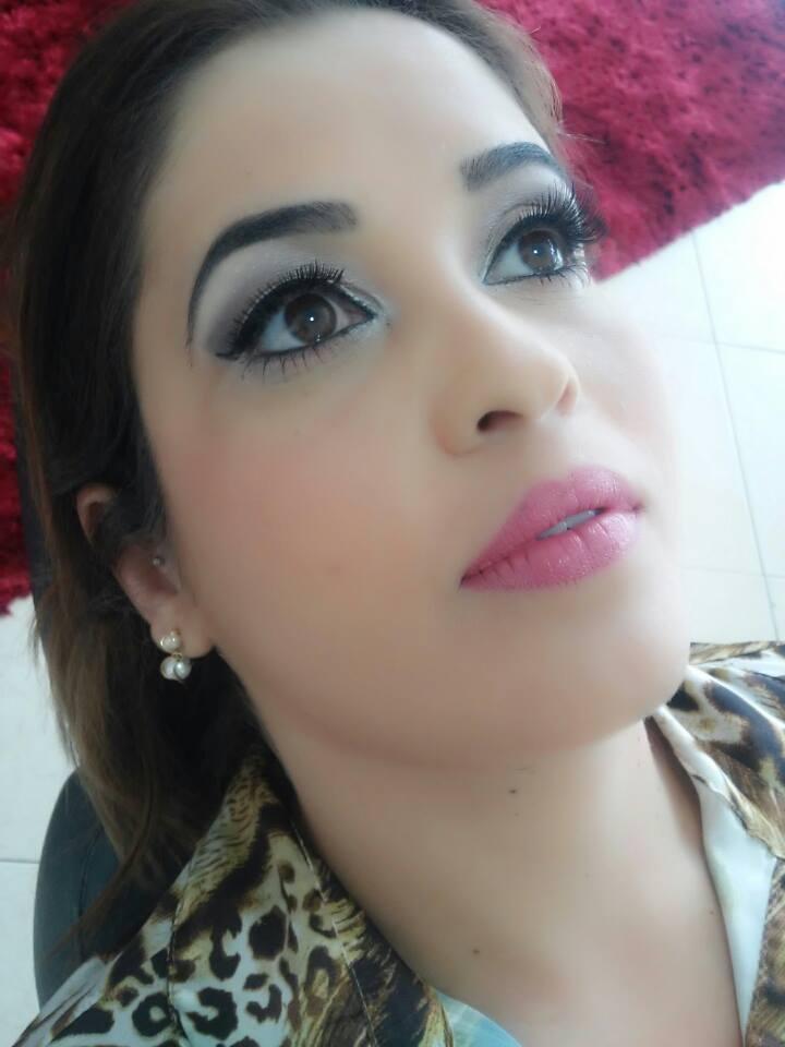 sobrancelha modelada e make madrinha maquiador(a) designer de sobrancelhas auxiliar cabeleireiro(a)
