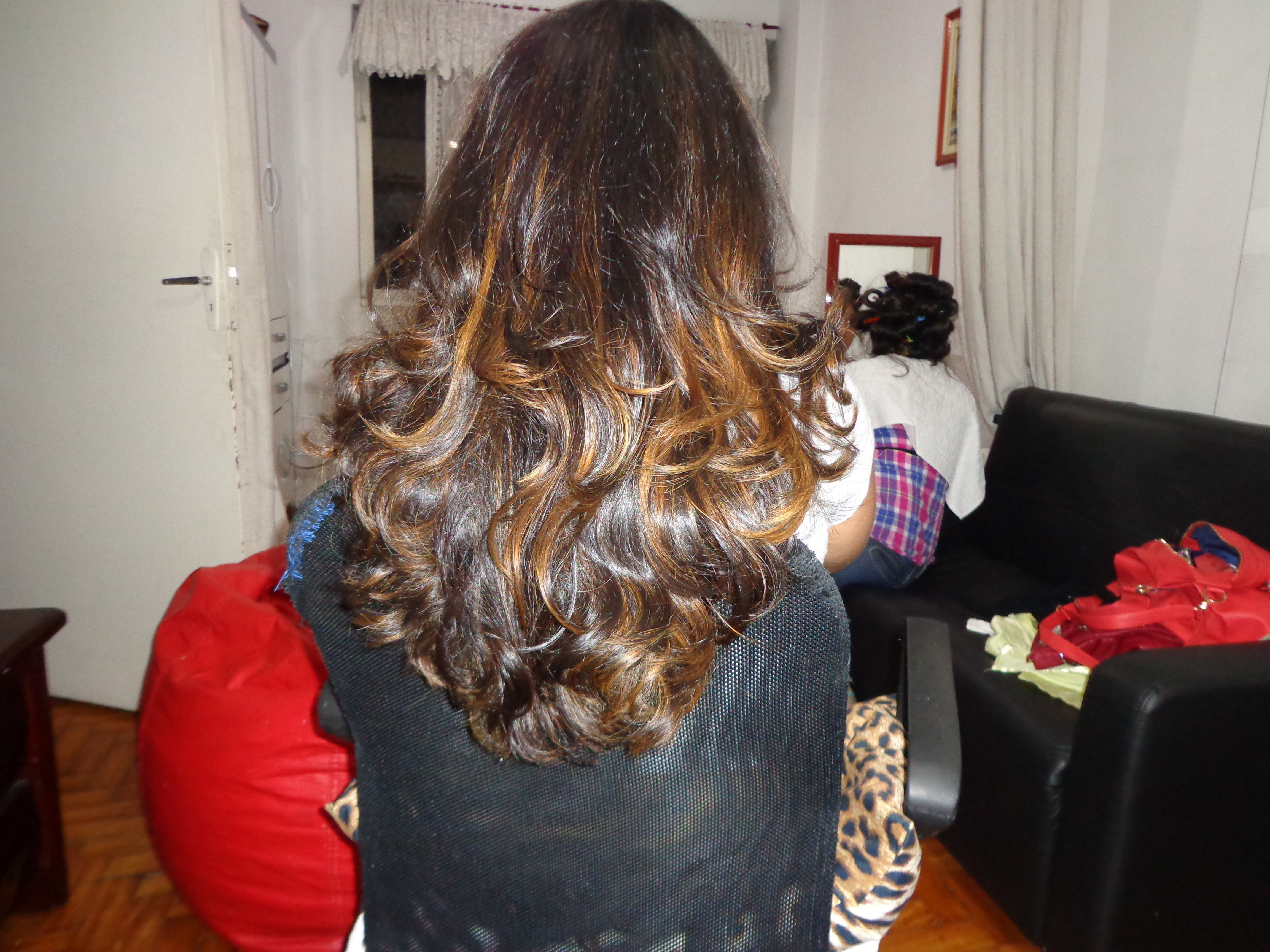 Corte iluminação escova modelada DEPOIS cachos  cabelo  cabeleireiro(a) barbeiro(a) maquiador(a) designer de sobrancelhas depilador(a)