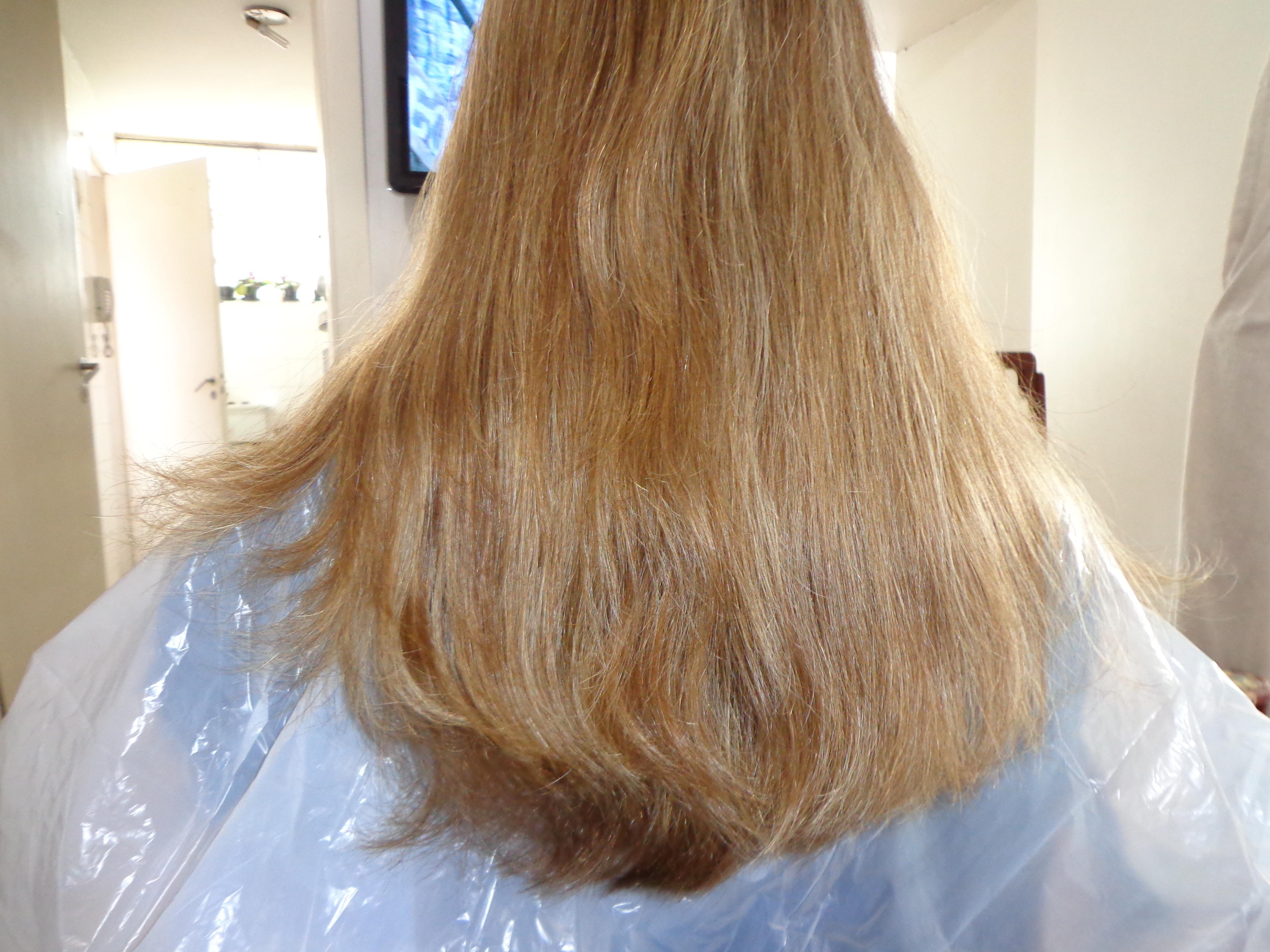 Primeira vez  da cliente em minha cadeira para fazer corte e iluminar. cabeleireiro(a) barbeiro(a) maquiador(a) designer de sobrancelhas depilador(a)