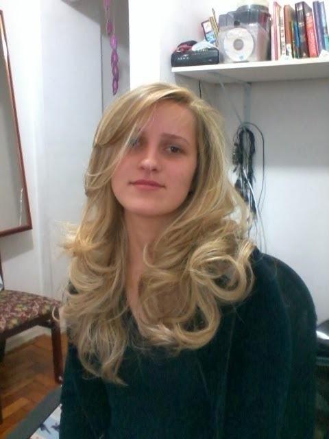 Loura Luxo. cabeleireiro(a) barbeiro(a) maquiador(a) designer de sobrancelhas depilador(a)