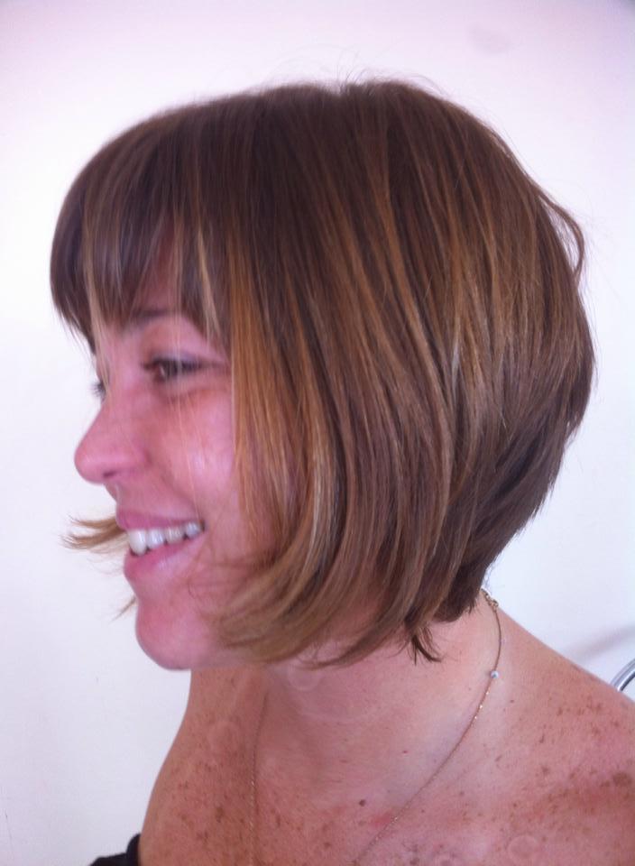 Uma variação do Chile em diagonal  Corte feito a navalha cabeleireiro(a)