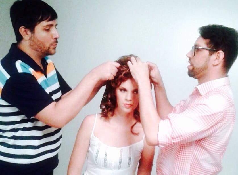 Job Salon Line 2014 cabeleireiro(a) maquiador(a)