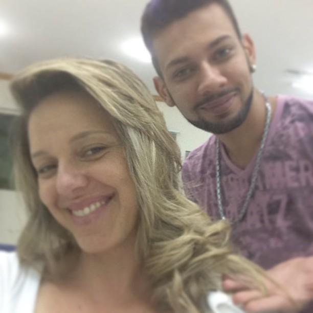 By juninho mechas e finalização.  cabeleireiro(a) maquiador(a)