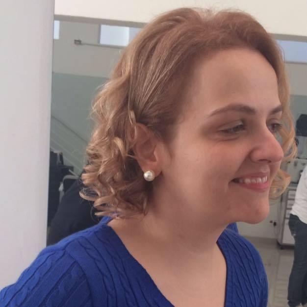 corte e cor  cabeleireiro(a) maquiador(a)