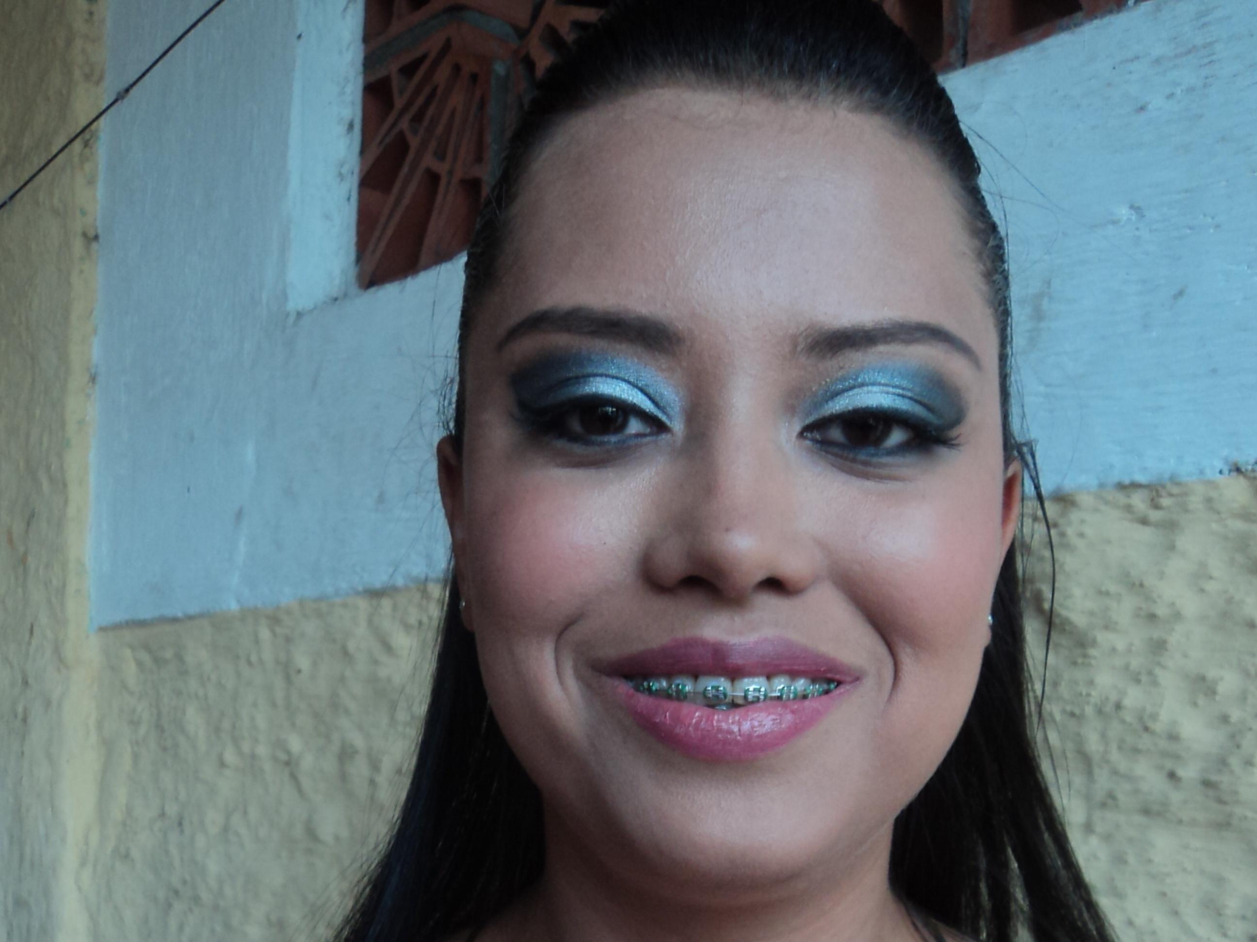 Make para madrinha. maquiador(a) depilador(a) designer de sobrancelhas outros