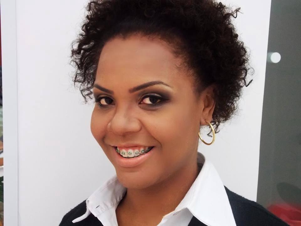 maquiagem cabeleireiro(a) designer de sobrancelhas stylist / visagista stylist / visagista
