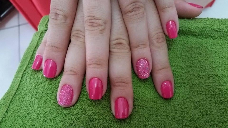 unha filha unica cliente satisfeita unha manicure e pedicure manicure e pedicure