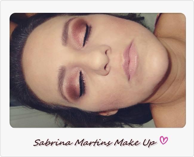 make up para uma pele mais madura, tons mais neutros. maquiador(a)