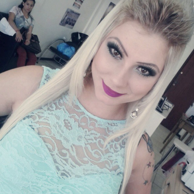 make up tons de verde e preto. maquiagem maquiador(a)