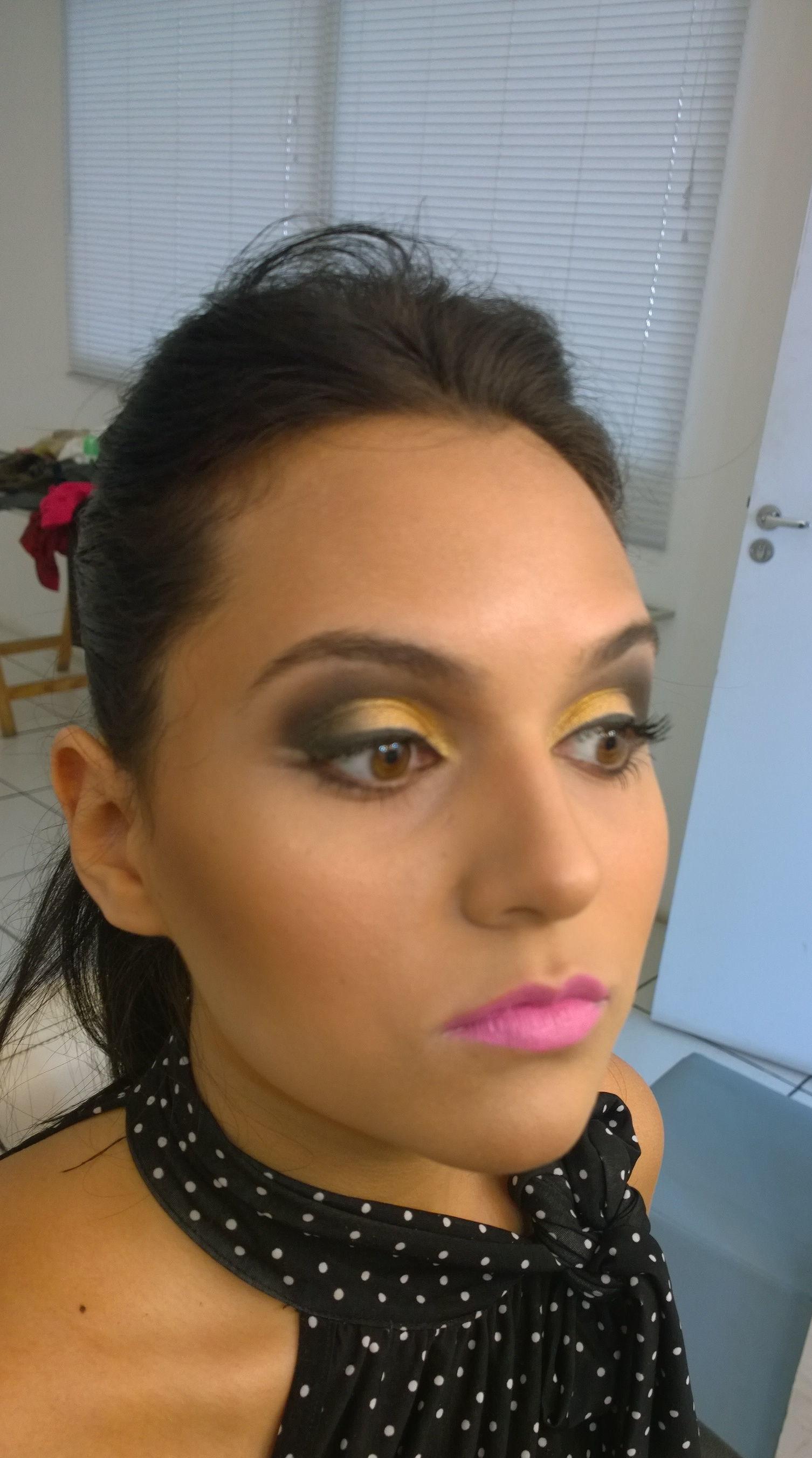 trabalho em estúdio  fotografico maquiador(a)
