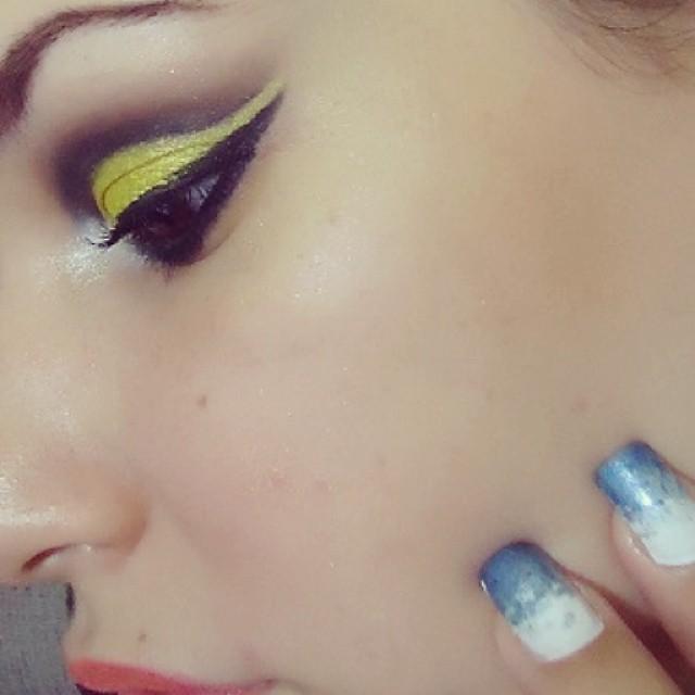 Cut Crease maquiador(a)