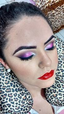 Maquiagem rosa Neste caso a cliente escolheu um make boca tudo e olho tudo. maquiador(a)