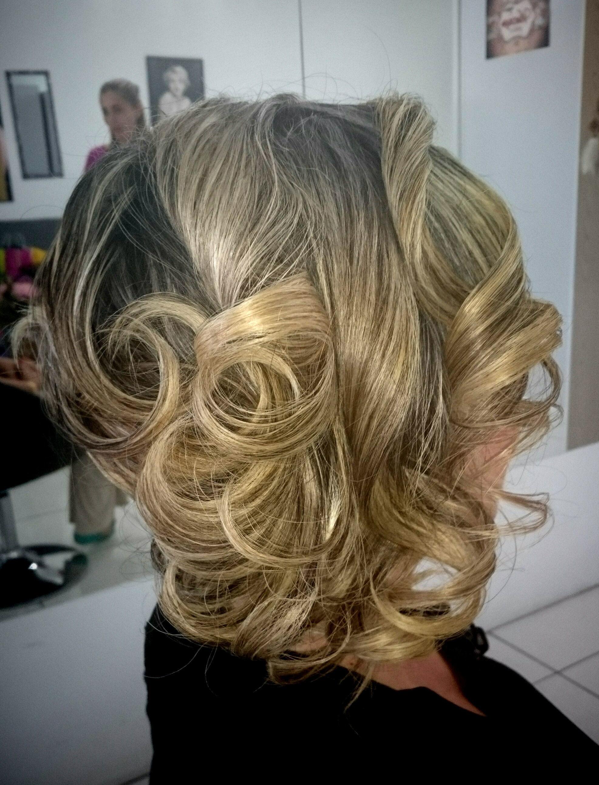 cabelo cabeleireiro(a) empresário(a) / dono de negócio manicure e pedicure maquiador(a) revendedor(a)