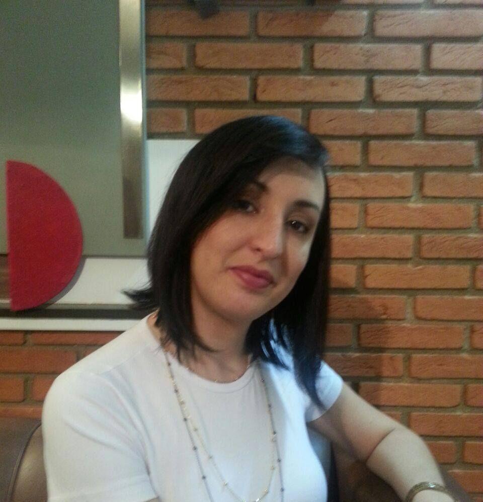 Fernanda Rodrigues - Estetica facial e corporal esteticista massoterapeuta aromaterapeuta