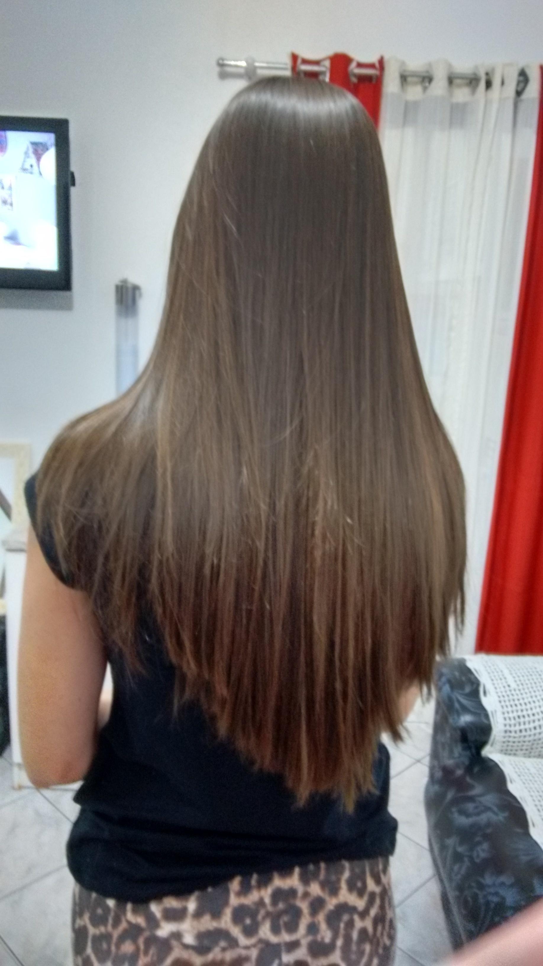 Escova definitiva com tioglicolato de amônia cabeleireiro(a)