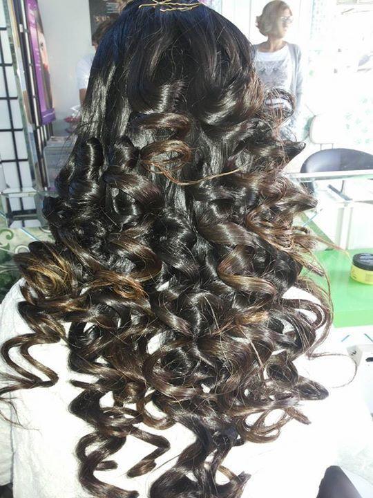 penteado escova com papel aluminio maquiador(a) cabeleireiro(a) designer de sobrancelhas