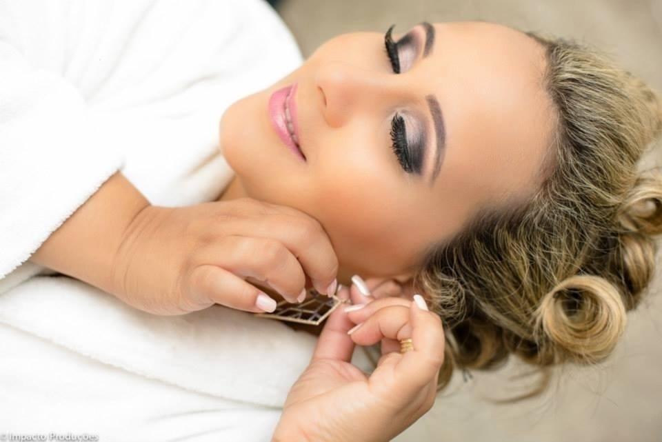 designer de sobrancelhas maquiador(a) cabeleireiro(a)