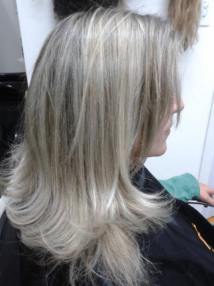 mechas cabelo cabeleireiro(a) maquiador(a)