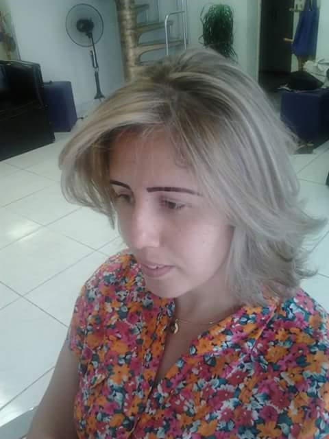 Cor cabeleireiro(a) maquiador(a) designer de sobrancelhas
