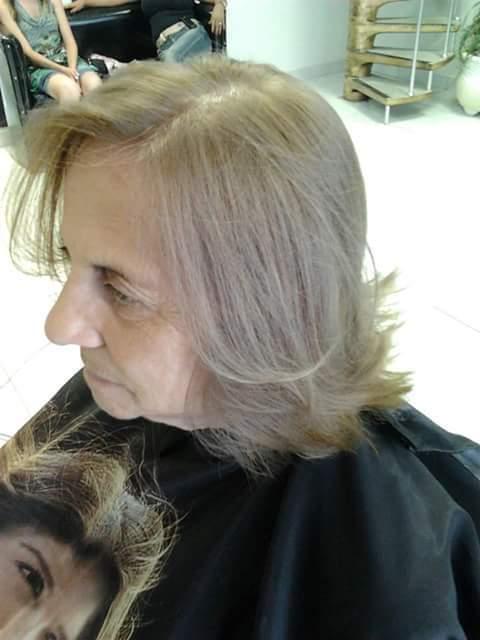 Depois cabeleireiro(a) maquiador(a) designer de sobrancelhas