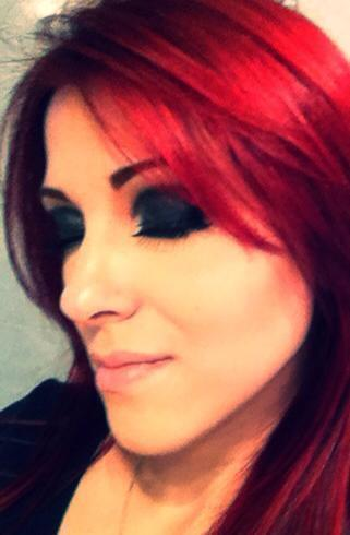 Maquiagem Olho Preto cosmetólogo(a)