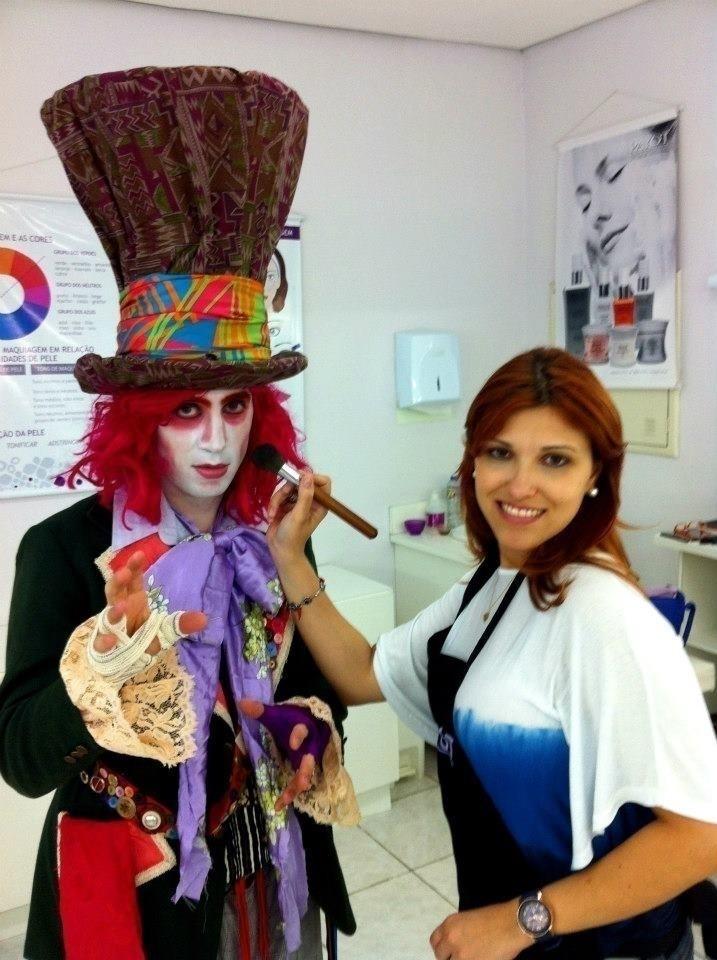 Maquiagem Artística - Chapeleiro Maluco cosmetólogo(a)