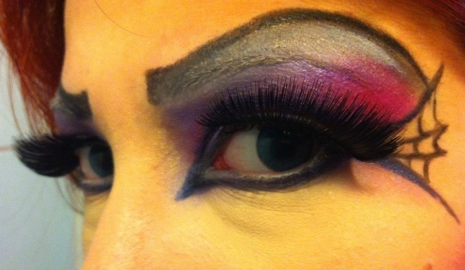 Maquiagem Artística - O Olhar da Mulher Aranha cosmetólogo(a)